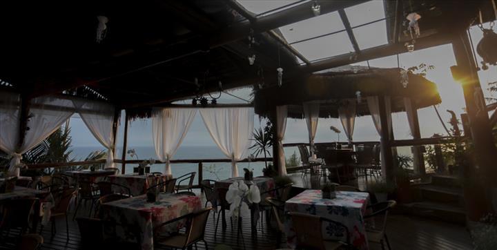lua-de-mel_ilha-bela_AllmiranteBarRestaurante Um sonho com vista para o mar: dicas incríveis para a sua lua de mel em Ilhabela!