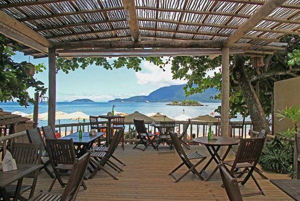 lua-de-mel_ilha-bela_PrainhaDoJuliaoBarRestaurante Um sonho com vista para o mar: dicas incríveis para a sua lua de mel em Ilhabela!