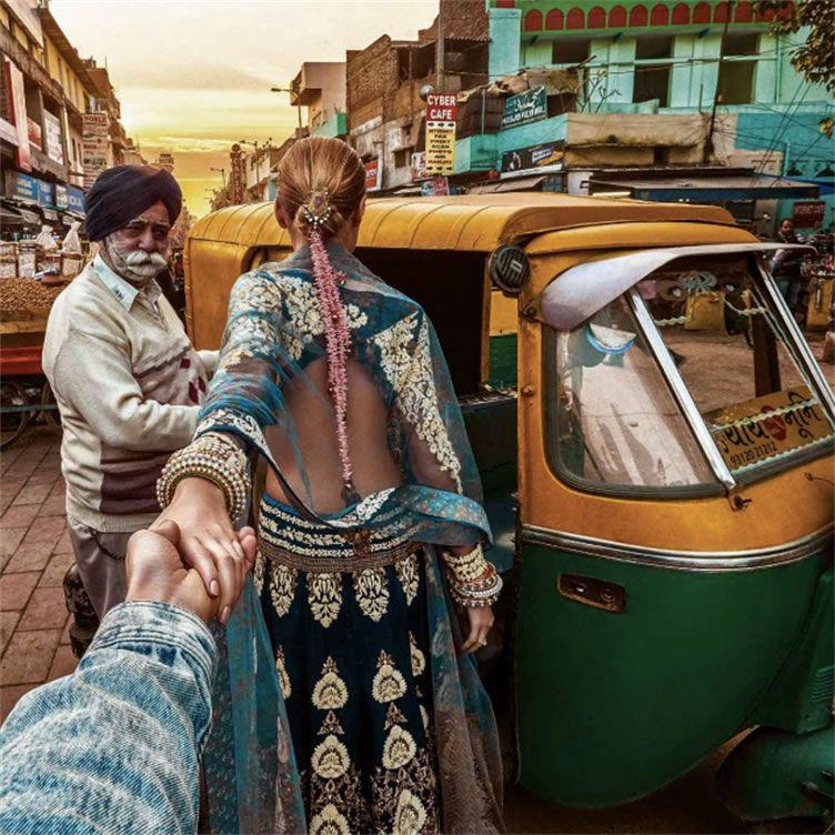 Indo passear de Tuk tuk pelas ruas de Nova Deli - Follow Me Project by Murad Osmann
