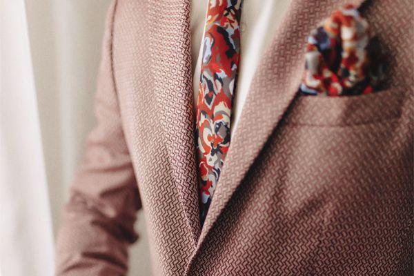 noivo-estiloso-gravata-estampada2 Noivo estiloso: como ousar e ser original no dia do casamento