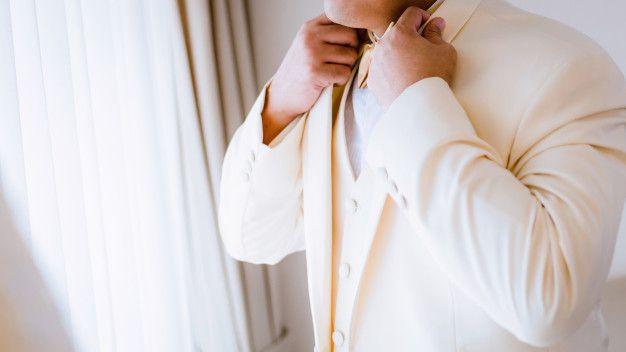 noivo-estiloso-terno-claro2 Noivo estiloso: como ousar e ser original no dia do casamento