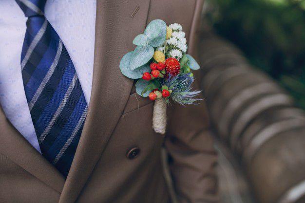 noivo-estiloso-terno-marrom Noivo estiloso: como ousar e ser original no dia do casamento