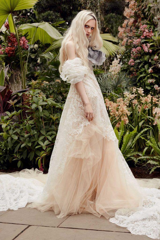 vera-wang-683x1024 Primavera e Verão: tendências de vestido de casamento para 2020