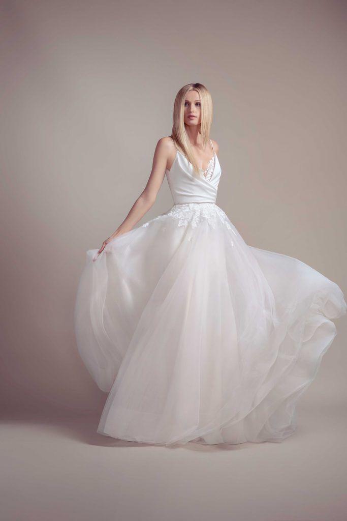 vestidos-casamento-2020_hayley-paige_leve-683x1024 Primavera e Verão: tendências de vestido de casamento para 2020